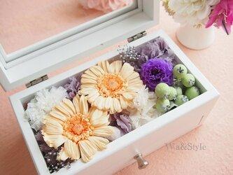 メモリアルボックス(仏事・お供)ガーベラの画像