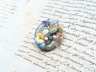 花と石 no.2 ブローチの画像