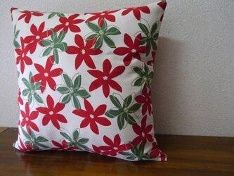 クッションカバー★緑と赤のお花柄の画像