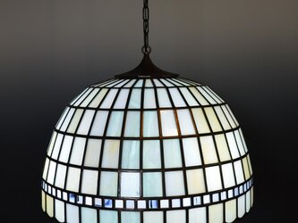 ランプシェード 淡いアクアブルーとアンバー色の流れの画像