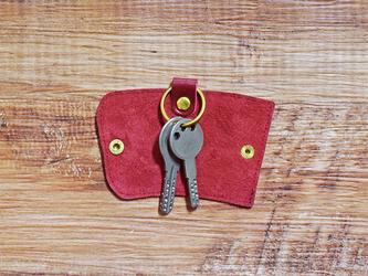 栃木レザーと真鍮で仕上げた本革のスリムなキーケース【ワインレッド】名入れできますの画像