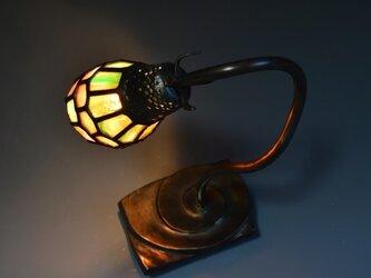 渦巻き型台のランプの画像