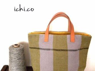 手織りバッグの画像