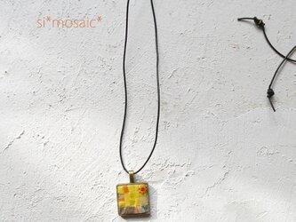 ガラスモザイクネックレス flor 1(numero uno)の画像