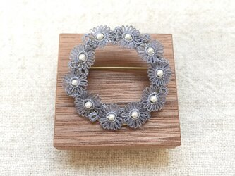 marguerite lease* brooch –gris–の画像