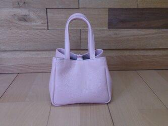 【牛革】ひざの上にちょこんとのる小さなバッグ(ピンク)*受注製作*ハンドメイドの画像