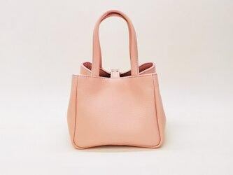 【牛革】ひざの上にちょこんとのる小さなバッグ(ピンク)の画像