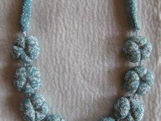 梅 布ネックレス ブルーの画像