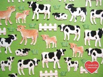 124牧場の牛★フレークシールの画像