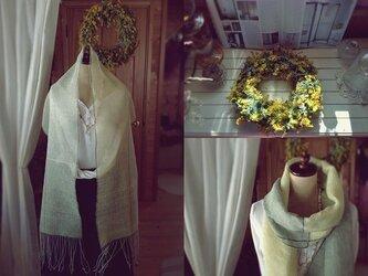 手織り リトアニアリネン糸のミモザの様なストールの画像