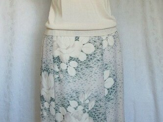 Price downしました!白薔薇のフレアースカートの画像