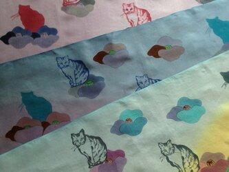受注制作✳︎『椿と猫』手描き染め手ぬぐい✳︎一枚のお値段です。の画像