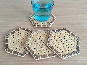 鉄線編みコースターの画像