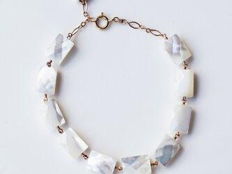 白蝶貝のレクタングル・カットブレスレット ~Ninaの画像
