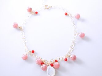 インカローズと染め珊瑚・白蝶貝のブレスレット ~Rufinaの画像