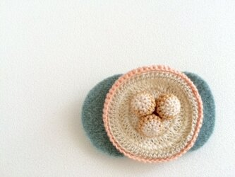 maruhana brooch 桃の画像