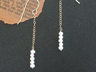 [ピアス・イヤリング] medium swing / pearlの画像
