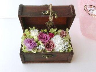 ご結婚お祝いやプレゼント♡お花の木箱の画像