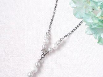 雪降る夏のネックレスの画像
