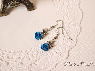 ロザフィ ひとつバラのピアス  ブルーの画像