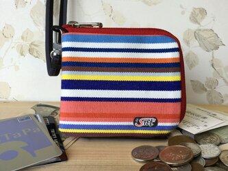 お洒落で機能的!旅に便利な、カード・お札・コイン用 先染め帆布財布 赤系生地赤ファスナーの画像