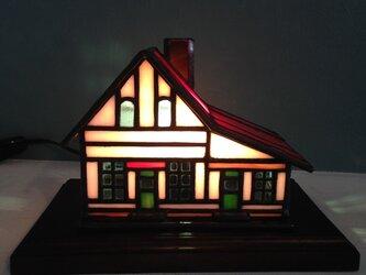 赤い屋根の家(yoshiko yano)の画像