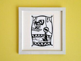 切り絵のサーカス「アシカプール」の画像