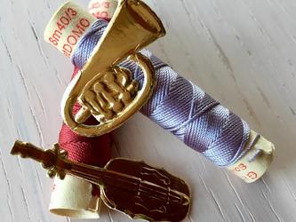 germany embosspaper ribbon&instrumentの画像