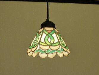 ペンダントライト・エメラルドグリーン (ステンドグラス)天井のおしゃれガラス照明Mサイズ・4の画像