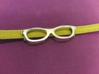 真鍮ブラス製 個性の出るメガネ型の帯留め 着物や浴衣の帯締め飾りにの画像