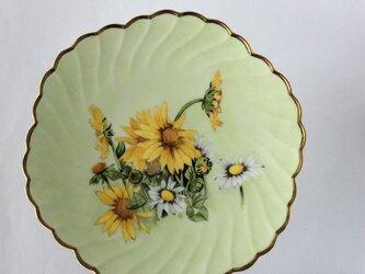 花の絵柄のコンポートの画像
