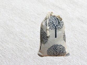 森のサシェ Ⅿ ヒバの香り ホワイトの画像