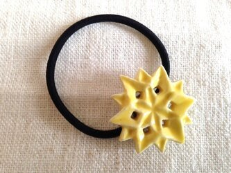 ヘアゴム 六角星 黄色の画像