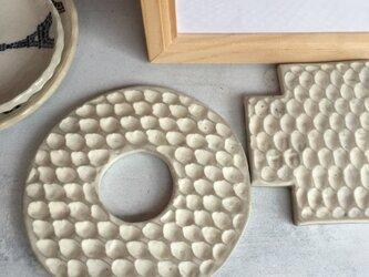 ドーナツ型ハニカムボードの画像