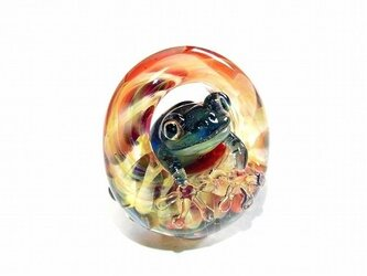 足音【 kengtaro / ケンタロー 】 水たまりと波紋 カエル ガラス ペンダントトップの画像