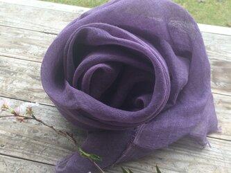 草木染めリネンガーゼストール(ログウッド、紫色)の画像