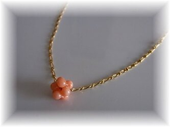 ピンク珊瑚のネックレスの画像
