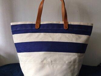 お好きな文字を鞄に。岡山産9号帆布生成り紺ボーダーバケツトートND_BNP_0388の画像