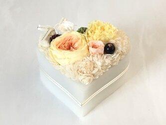 Flower cake  #  lemon yellow *プリザーブドフラワー*の画像
