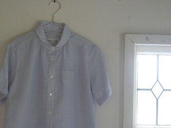 丸襟水色ストライプシャツの画像