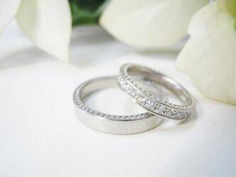 結婚指輪 手作り(鍛造&彫金)プラチナ粗仕上げ 女性はミル&エタニティ 男性はミル&平打ちの画像