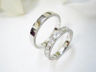 結婚指輪 手作り(鍛造&彫金)プラチナ光沢 女性はミル&エタニティ 男性はミル&平打ちの画像