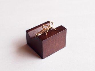 リボンリング(ゴールド色)の画像