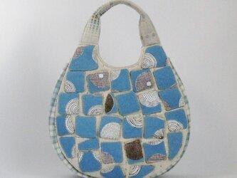アップリケの手提げバッグ(ブルー)の画像