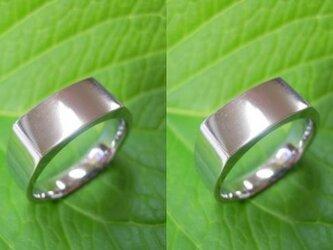 結婚指輪 手作り(鍛造&彫金)プラチナ光沢「昔ながらの造り方で制作・印台リング」幅広&重圧感の画像