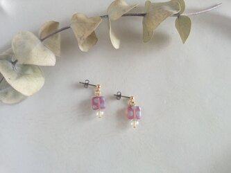 水玉チタンピアス(pink)の画像