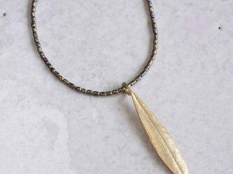 Olive leaf necklace {P072K10}の画像