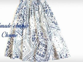 バンダナ柄涼しいスカートの画像