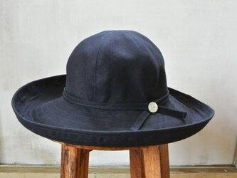 M.C1 丸い帽子 紺の画像