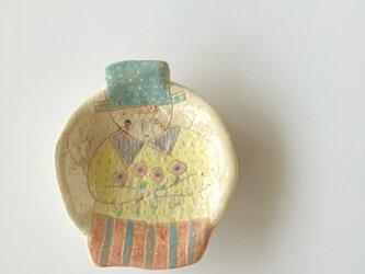 肖像画の豆皿の画像